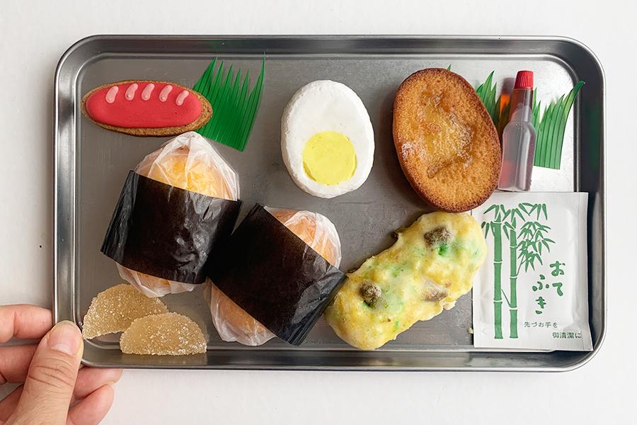 ゆで卵、コロッケ、ちくわの磯辺揚げ、おにぎりは、すべてレモンスイーツ