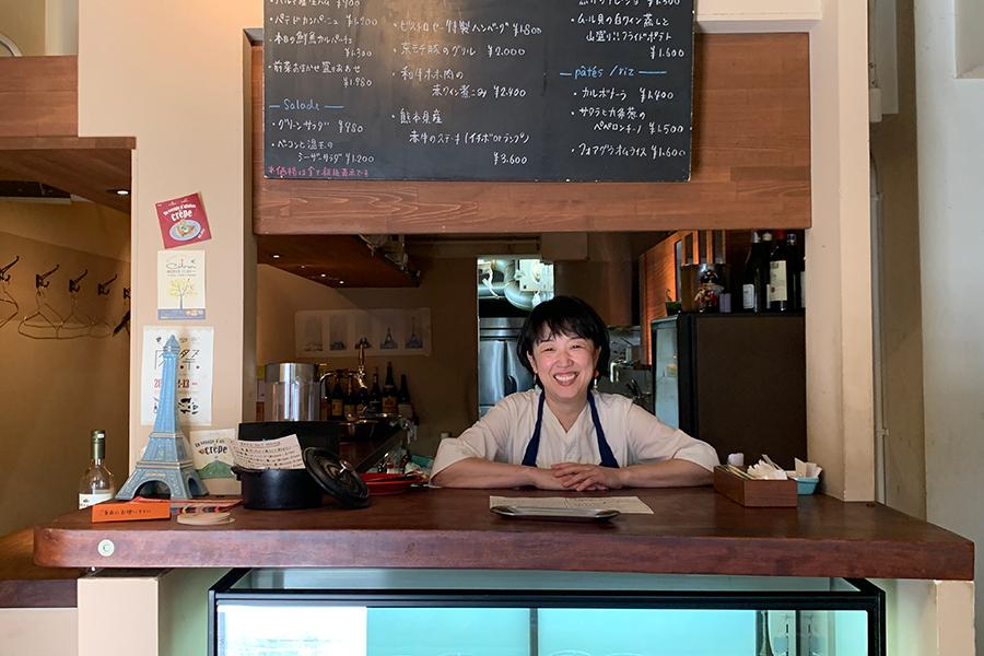 レモンのお菓子のお弁当は山本稔子さんが営む「ビストロセー」のデリコーナーで不定期販売されている