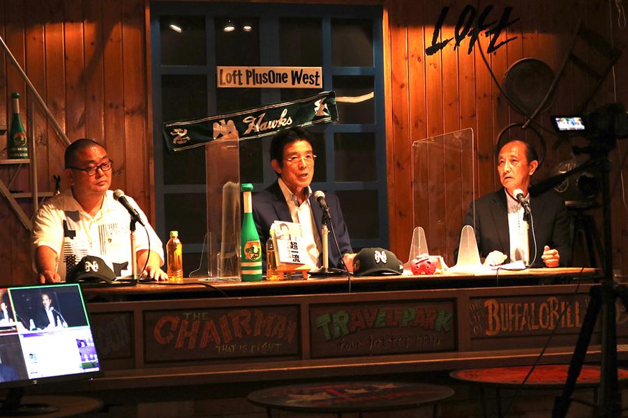 左から、番組ディレクターの土井聡夫さん、江本孟紀さん、カンテレアナウンサーの毛利八郎さん