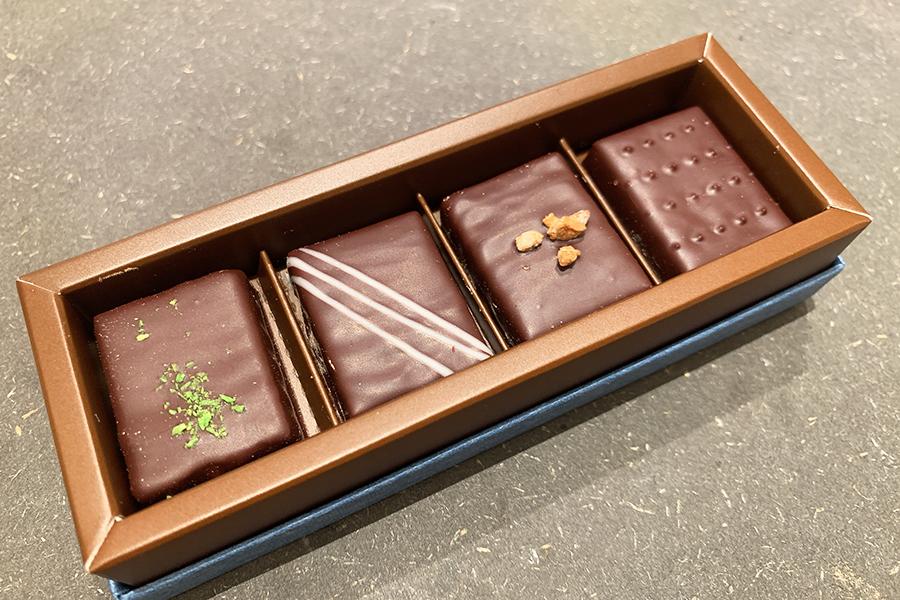 昆布、味噌、お酒、宇治抹茶を使った京都限定のボンボンショコラ4種類