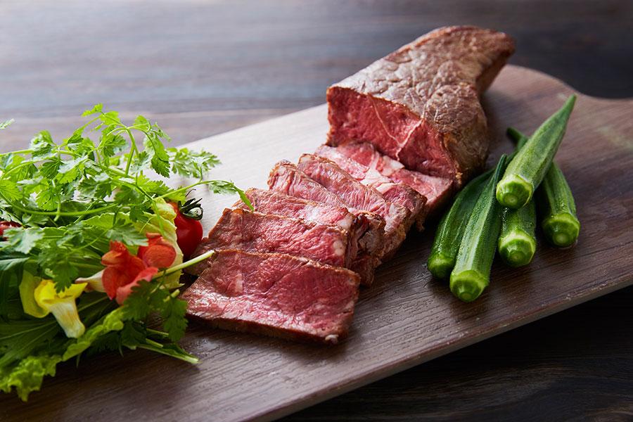 定番メニューの牛肉のステーキ