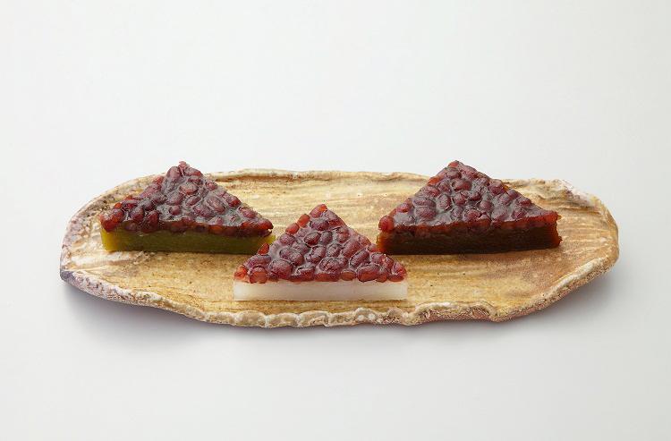 京都高島屋「仙太郎」のみなづき。白・黒糖・抹茶の三種類あり。各1個227円(税込)