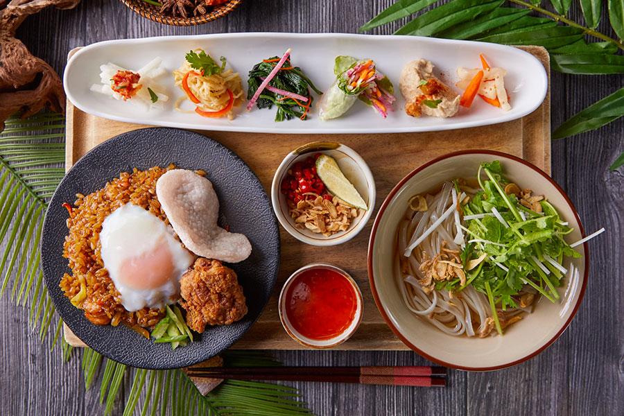 ランチタイム限定 一汁六菜アジアンプレート ナシゴレンセット(鶏出汁フォー付)