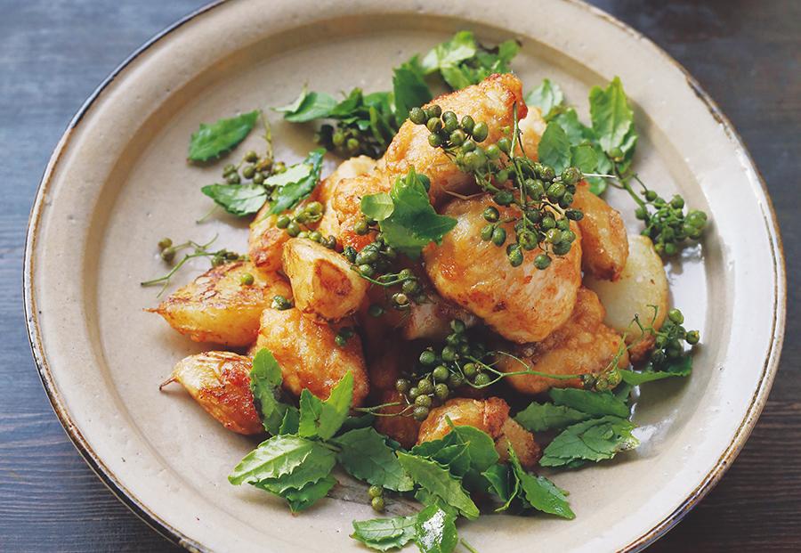 実山椒とにんにくも一緒に揚げる「実山椒と新にんにくと鶏のから揚げ」