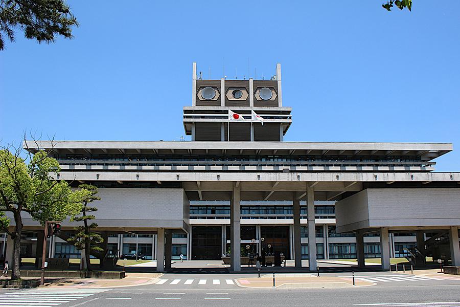 奈良県は第2波へ備え、新型コロナ専用病床を縮小して、通常医療の機能回復をはかっていく
