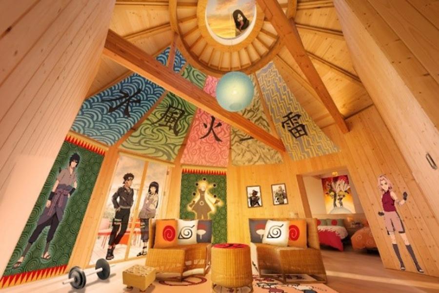 天井にはあのキャラクターも…「NARUTO コラボルーム『火影の別荘』」©岸本斉史 スコット/集英社・テレビ東京・ぴえろ
