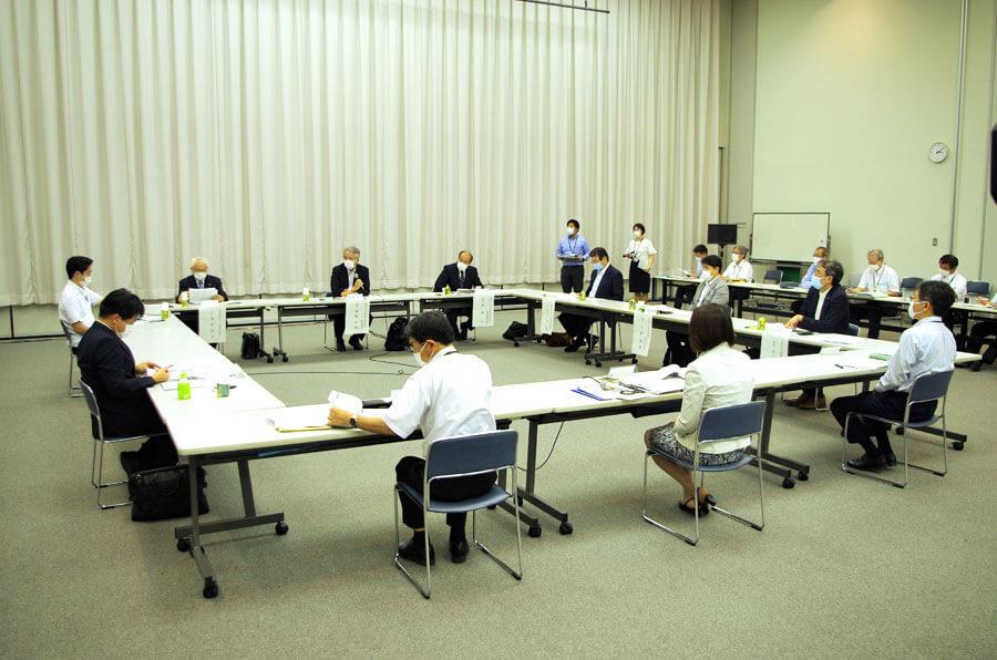 第3回「新型コロナウイルス対策本部専門家会議」では、大阪モデルの指標と基準の見直しが議論された(6月22日・大阪府庁)