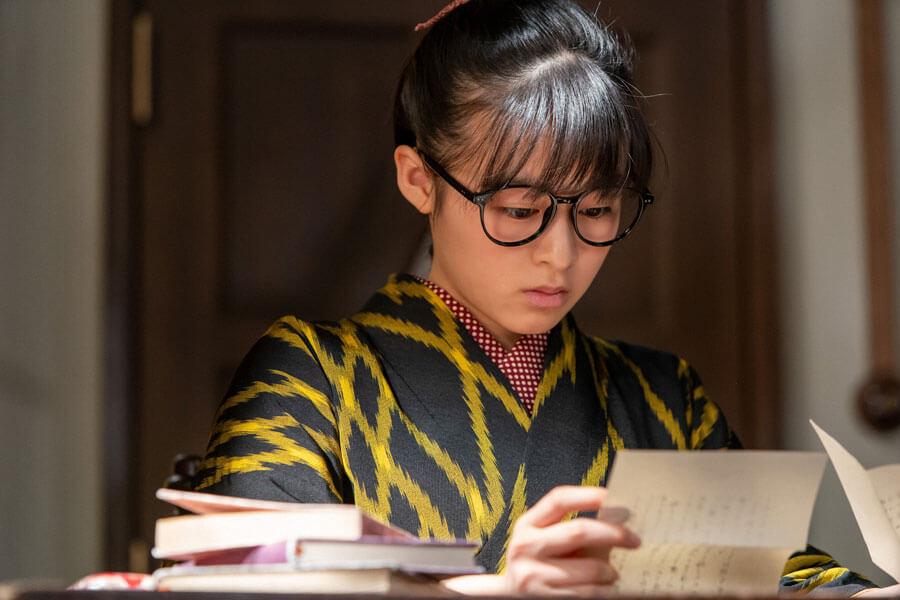 第57回より、小説家を目指すも壁にぶち当たっている梅(森七菜)(C)NHK
