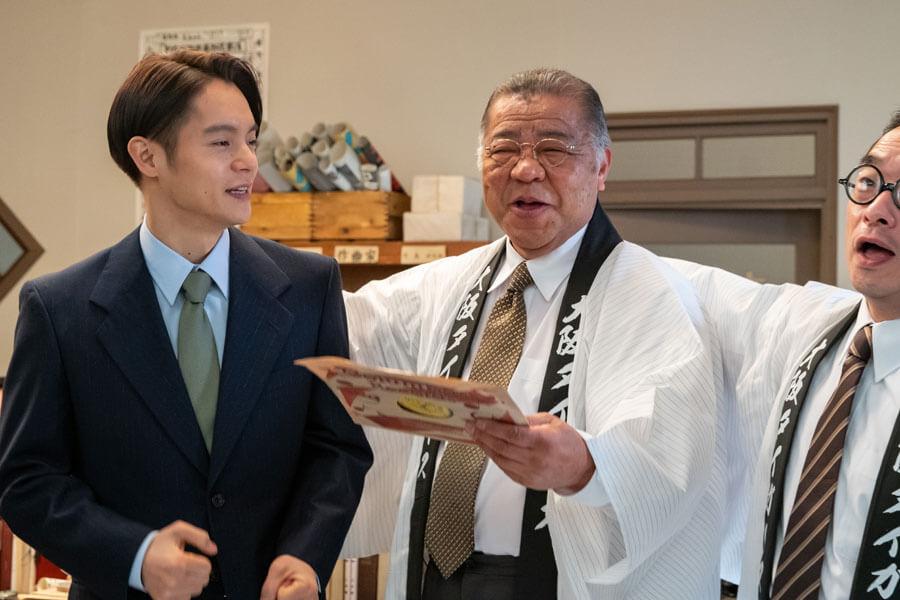 「僕の現役時代、春の激励会や秋の納会に選手全員が集まり、『六甲おろし』を歌うという風習がありました。歌うたびにファンヘの感謝の気持ちがあふれていましたね」と掛布さん(C)NHK