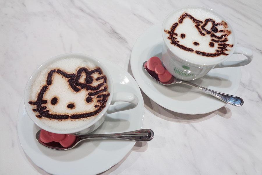 「Bicerin×Hello Kitty スペシャルカプチーノ」1210円 ©1976, 2020 SANRIO CO., LTD. APPROVAL NO. L611710