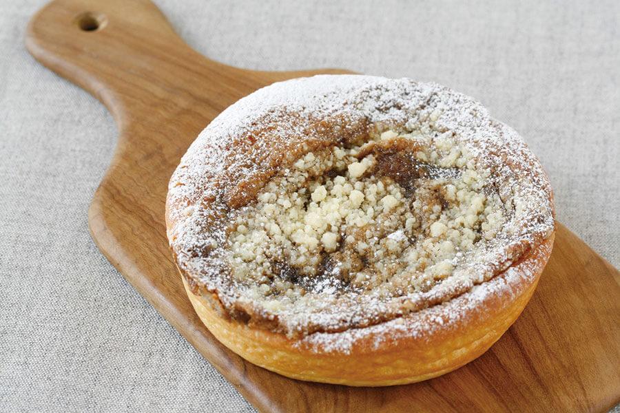 優しい甘さとコクが感じらる「お砂糖のタルト」という意味のタルトシュクレ(346円)