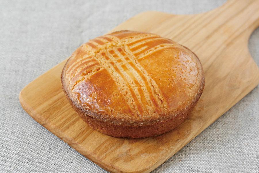 フランスとスペインの両国にまたがるバスク地方の伝統菓子・ガトーバスク(324円)
