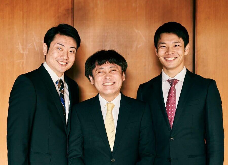 空晴のリーディング芝居『一番の誕生日!』の出演者。左から駒野侃、小池裕之、南川泰規 写真/衛藤キヨコ
