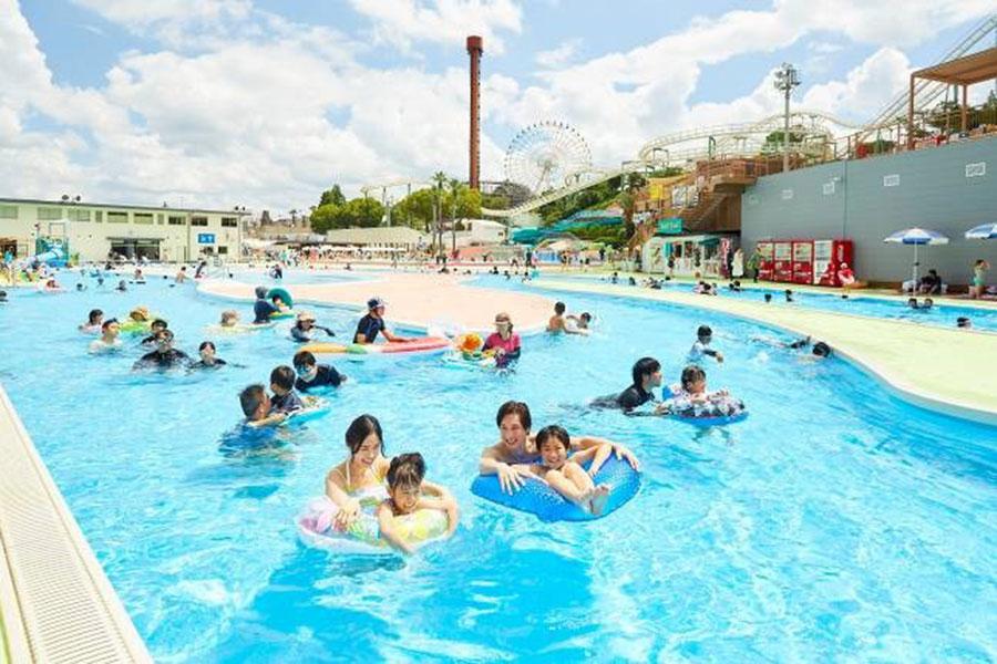 全長210mの巨大流水プール「ドンブラー」