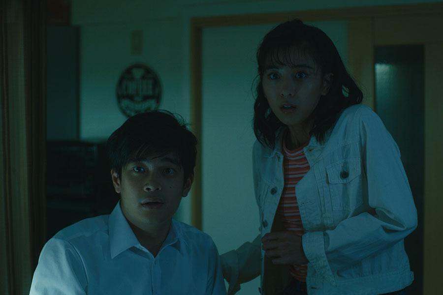 第2話で黒島結菜と井之脇海が出演。Netflixオリジナルシリーズ『呪怨:呪いの家』独占配信中