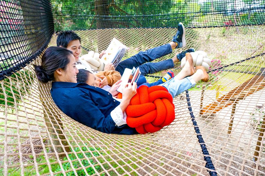 「3歳から93歳まで楽しめる施設」を目指したという「空中の村」。写真は読書や昼寝ができる「読書のんびり屋エリア」