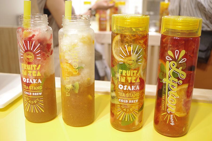 飲む「パフェ氷」に注目、大阪のフルーツ紅茶に行列