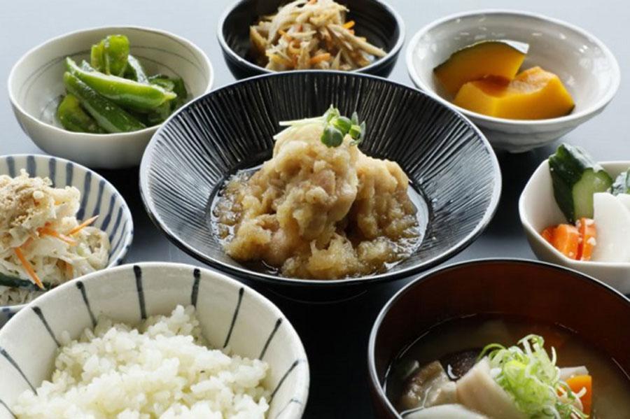 日替わりのおばんざい定食850円(税別)