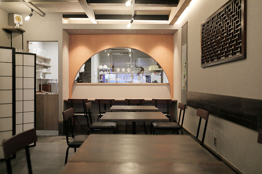 姉妹店の「猿沢豆花」は台湾と奈良を組み合わせたような雰囲気に