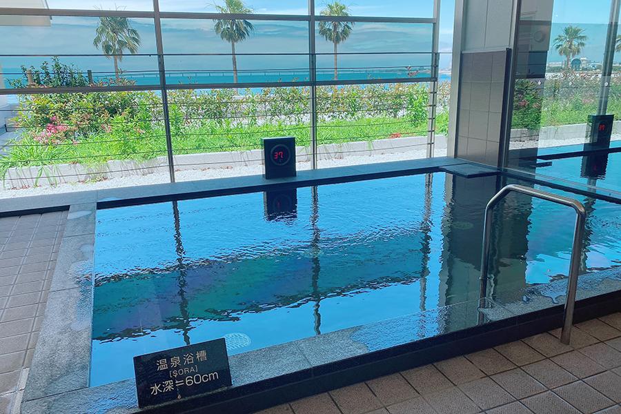 「SORA RINKU」にある、泉南温泉 SORAの湯。半露天風呂も
