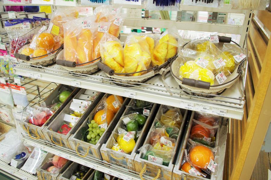 カテゴリーフロアに数か所、用意された処分市コーナー(7月22日・東急ハンズ心斎橋店)