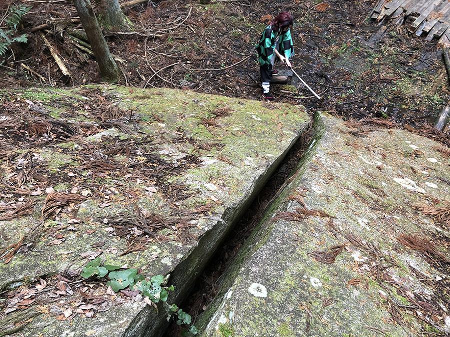 巨石を切るシーンを再現(提供:柳生観光協会)