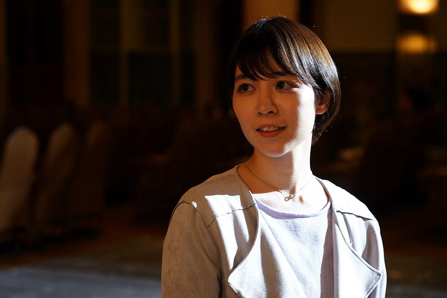 物語を動かす重要人物となる、若手女優を演じる吉谷彩子 ©ktv