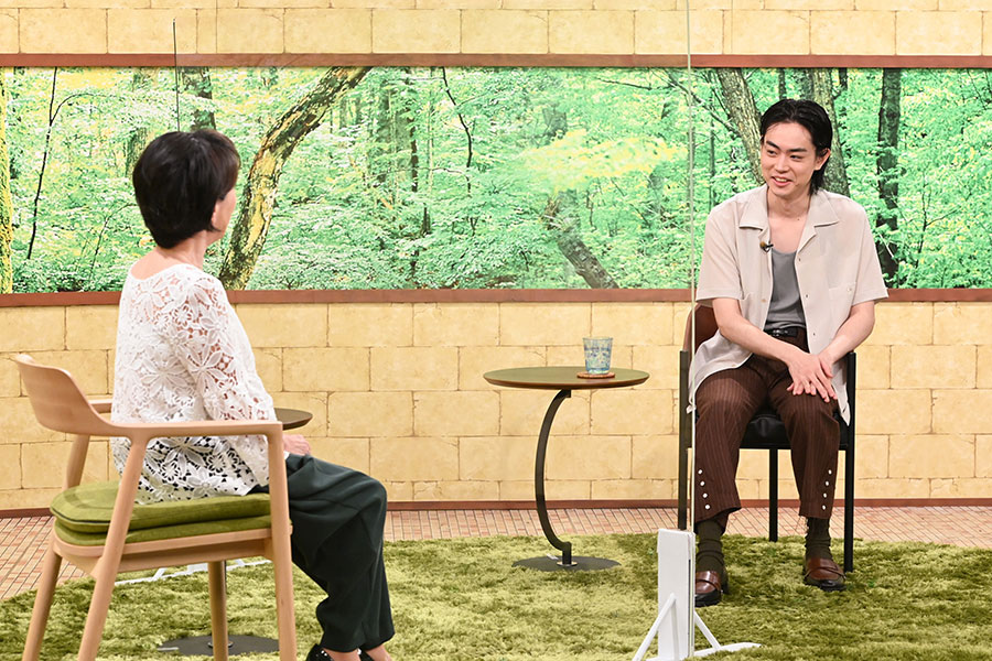 ゲストとして登場した菅田将暉(右)と阿川佐和子(写真提供:MBS)