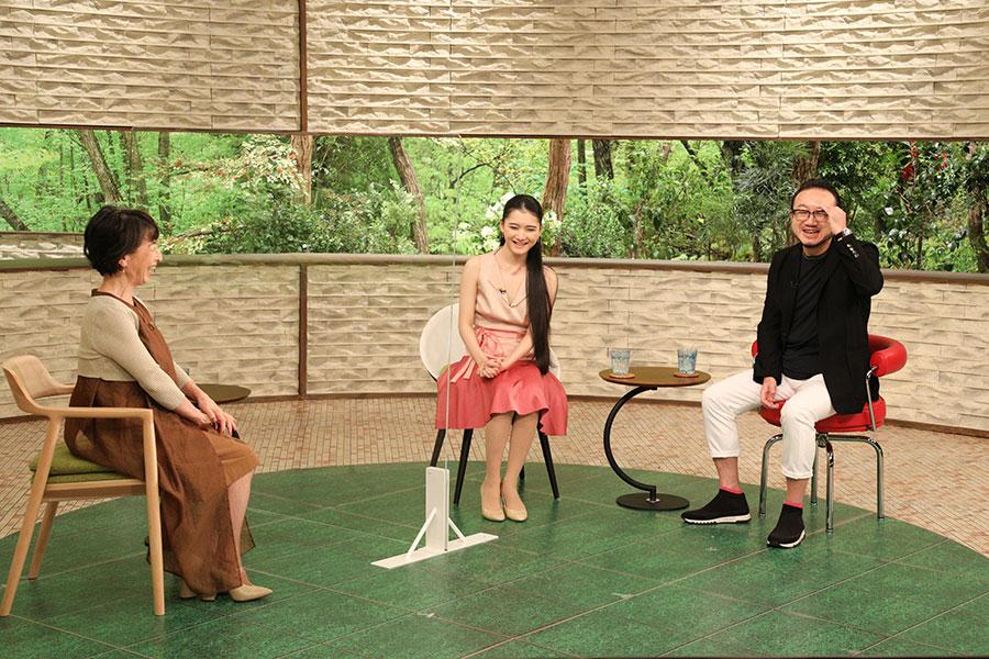 左から、阿川佐和子、服部隆之、服部百音(写真提供:MBS)