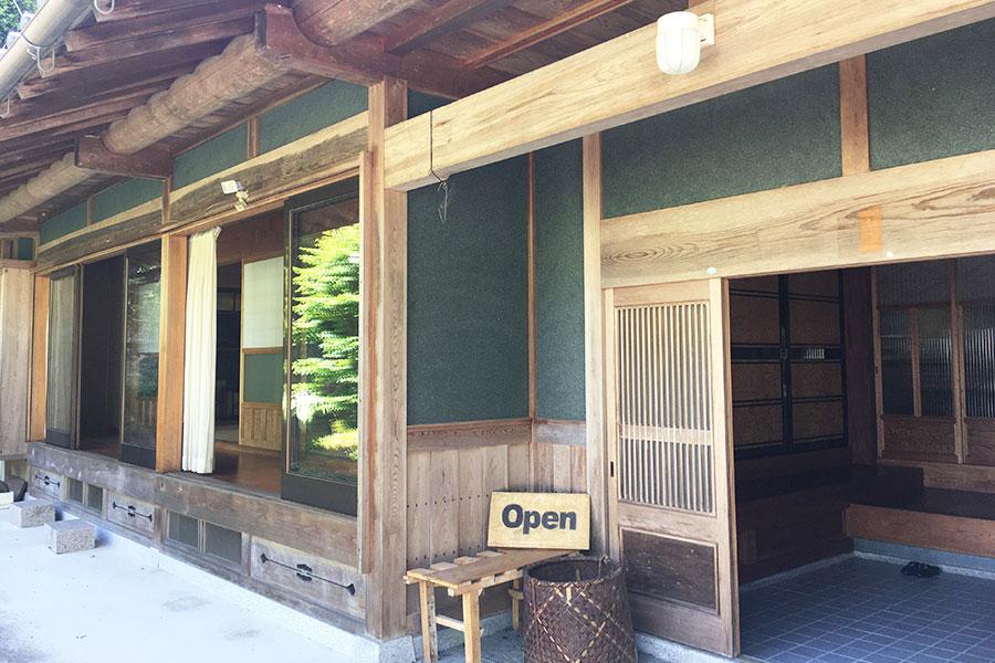 昔ながらの日本家屋でゆっくりいただけるのも魅力