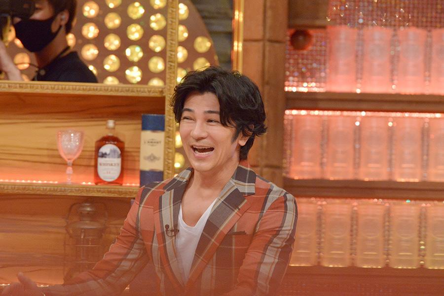 俳優、サックス奏者、筋肉王子と幅広く活躍する武田真治 © ytv