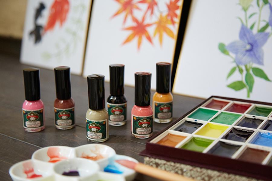 絵具屋だからこそ表現できる日本的な色合いがラインアップ
