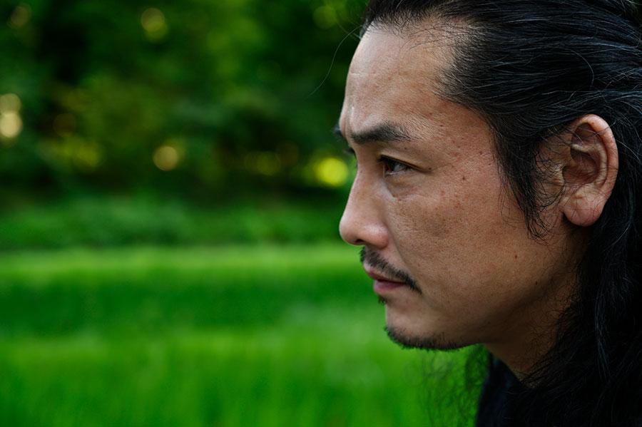 出演する武士らとは、1年近くかけて本気で闘う術を特訓して映画に挑んだという