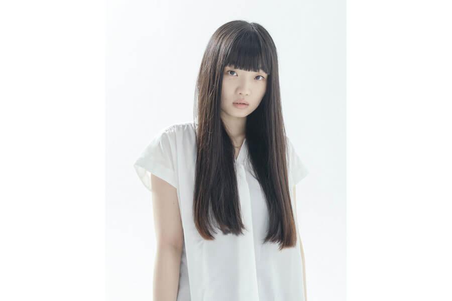 舞台などで経験を積み、2019年にはエランドール賞の「アクターズセミナー賞」を受賞した東野絢香