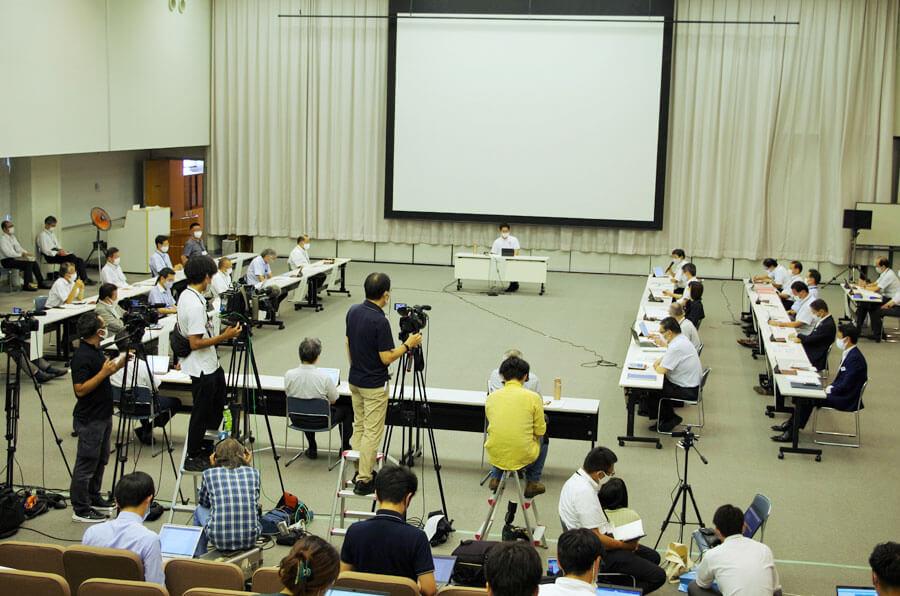『新型コロナウイルス対策本部会議』の様子 (8月31日・大阪府庁)