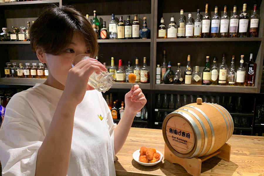 大阪でバー併設「ローソン」、つまみ調達して即飲みOK