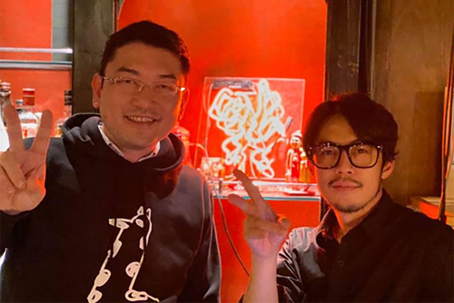宿泊施設を手がける「リンクス」代表・毛利 英昭氏(左)とキングコング・西野亮廣