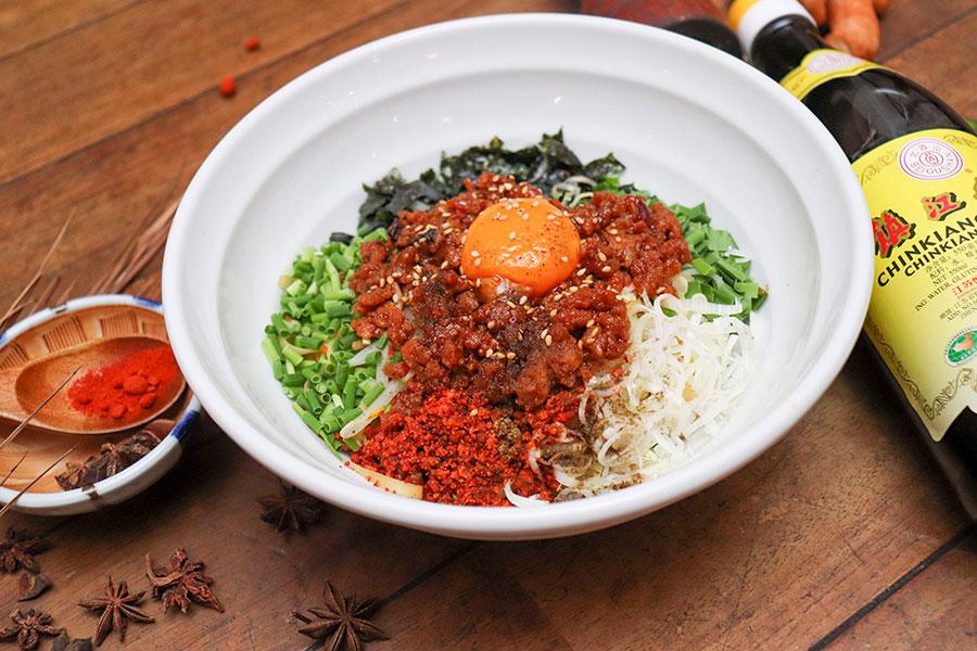 ピリッと辛い冷製まぜそばの「台湾風 汁なし担々麺」(850円)