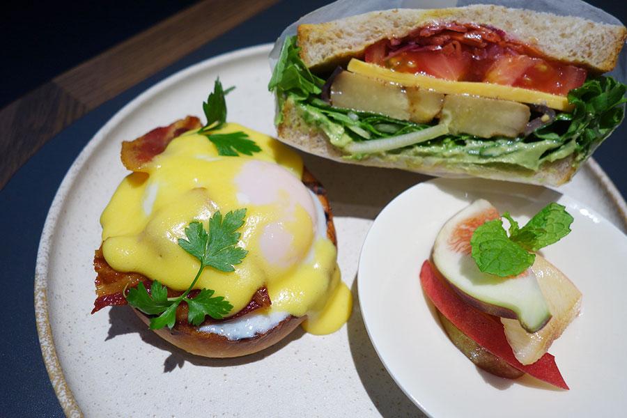 ブリオッシュエッグベネディクトは朝食に登場。宿泊者は好きなだけメニューから選べる