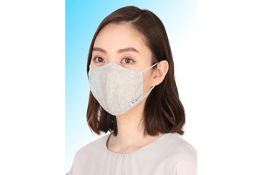 とにかく冷えたい、人気の青山マスクが大量増産