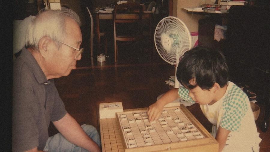 藤井聡太二冠が将棋を始めた5歳ごろの貴重な1枚(C)NHK