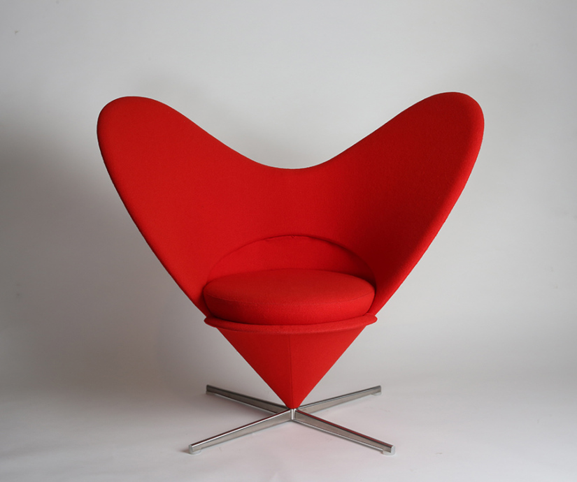 ヴェアナ・パントン 椅子〈ハートコーンチェア〉 1958年 ヴィトラ 個人蔵 photo : Michael Whiteway