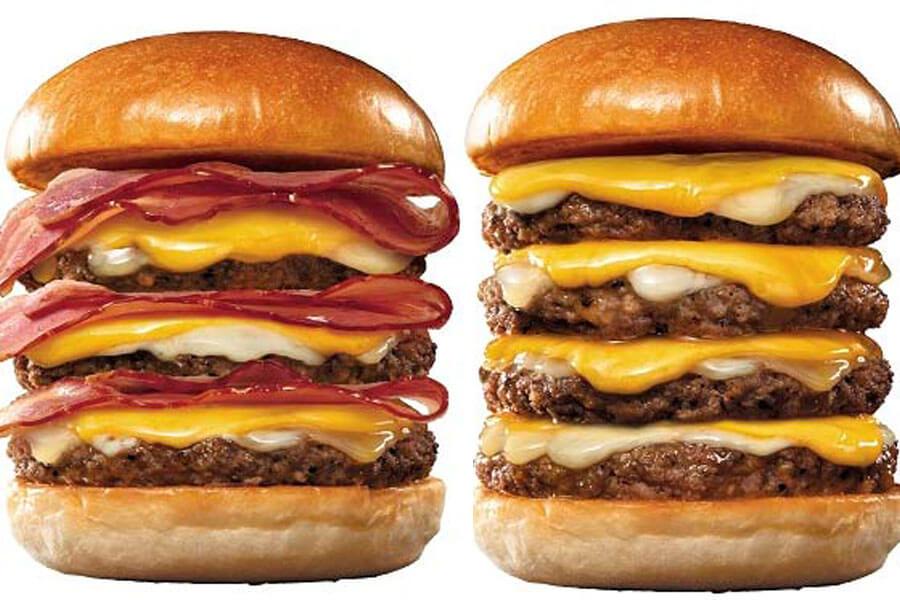 『ロッテリア29肉(ニク)の日』企画に登場する『トリプルベーコントリプル絶品チーズバーガー』と『4−dan絶品チーズバーガー』