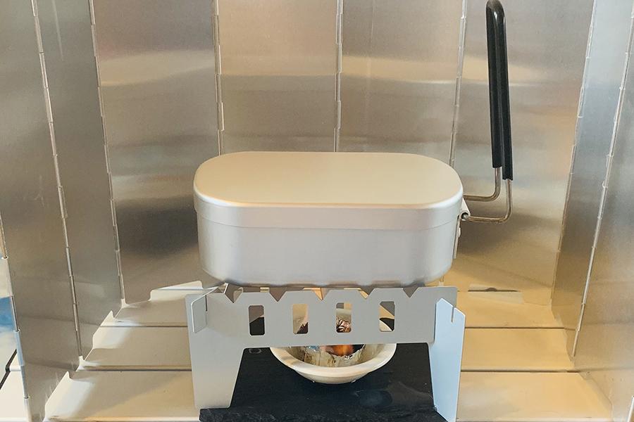 ハンドルは取り外し可能なので、調理するほか弁当箱としても使えます
