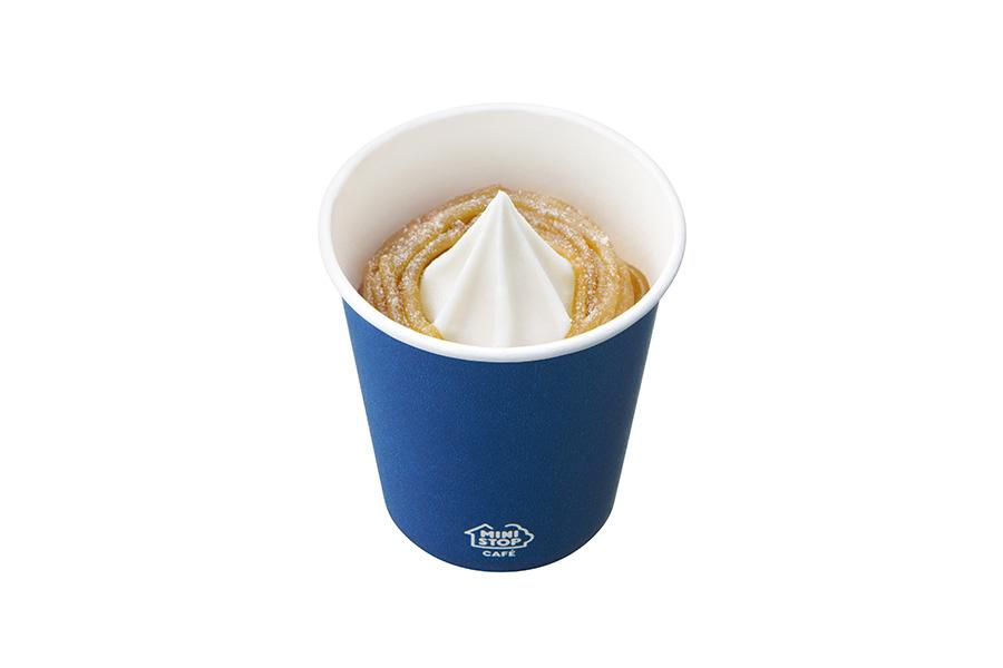「和栗モンブランソフト」345円はカップでの提供も可能。注文時に申し出を