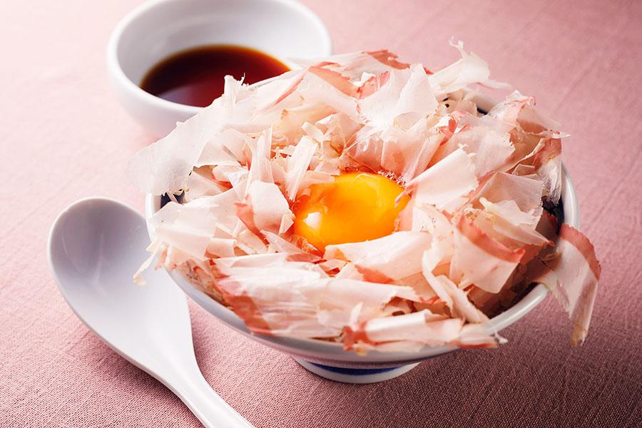 大阪産・卵を使った「らーめん 玉」の鰹節ご飯(280円)