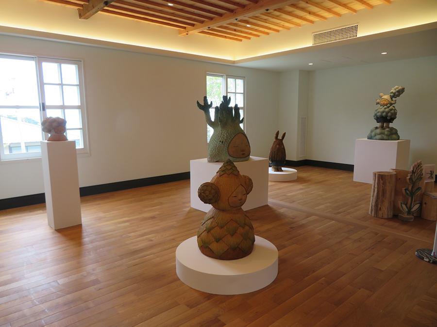 「六甲山サイレンスリゾート」での、中村萌の展示。中村は台湾でも大人気の作家