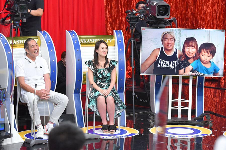 (左から)山﨑満さん、文子さん夫妻、金子載さん、南さん夫妻と息子さん(写真提供:MBS)