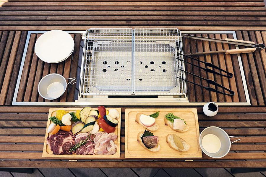 夕食のBBQセットはファミリー層に人気。テラスに用意されているテーブルにはコンロが内臓されている