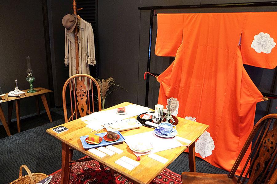 日本好きのパリジャンが住む家でのティータイムを演出したコーナー「和菓子でもてなす空間」